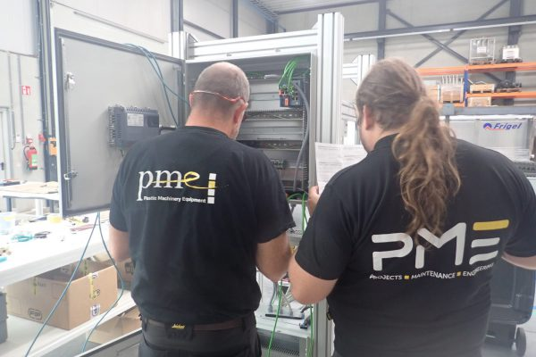 PME_engineers_operating_automation